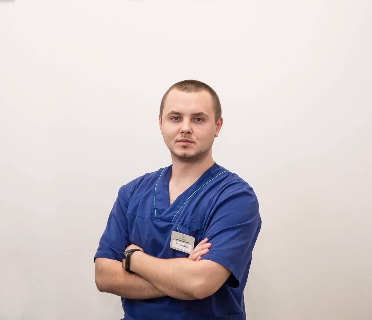 Мы рады представить Вам нашего массажиста – Михаила.